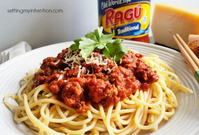 spaghetti with ragu pasta sauce