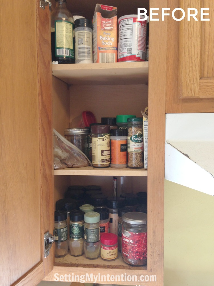 5 pivotal lessons on decluttering learned while editing the spices!