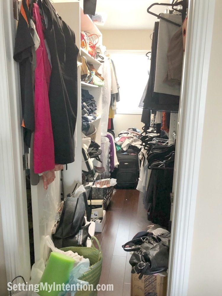 Declutter your Overflowing Closet